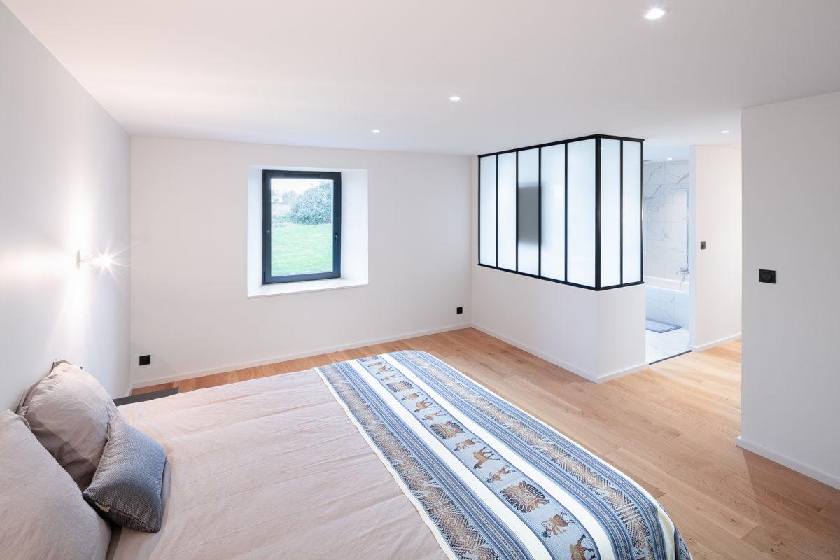 Chambre et en-suite blanc bois