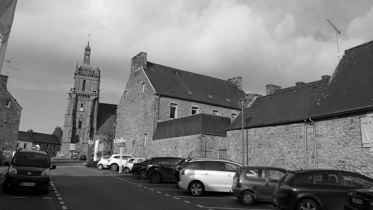 Eglise bourg de Plouaret